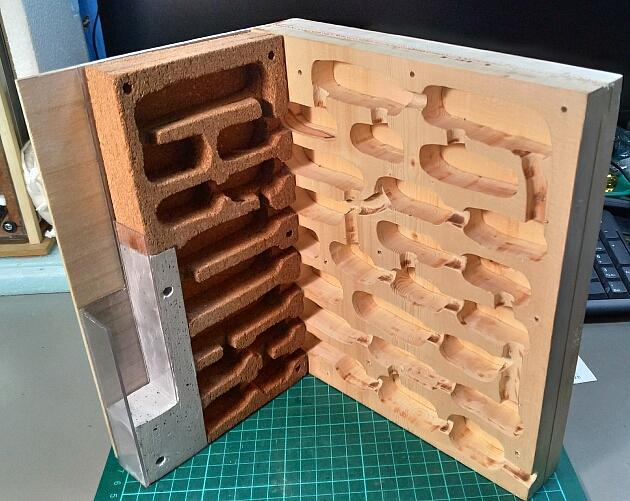 新しいムネアカオオアリ飼育巣の作成(その3)