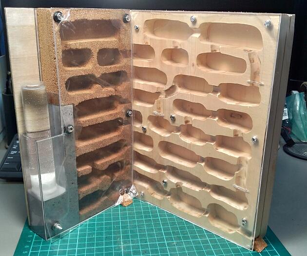 木+コルク+石膏のハイブリッド飼育巣